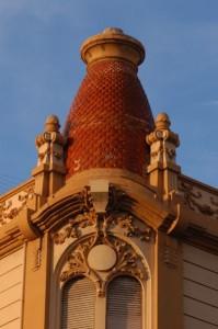 Detall_edifici_de_La_Reconquista_Enric_Nieto_1
